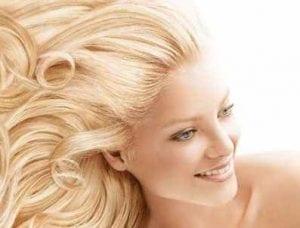 Şems Aslan'dan saç dökülmesini ve kırılmasını önleyen organik şampuan yapımı